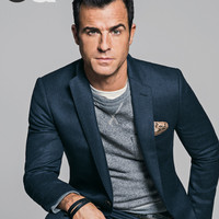 How to Wear a Casual Suit, Starring Justin Theroux