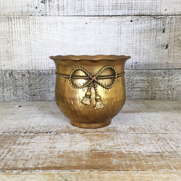Brass Planter Vintage Brass Vase Flower Vase Mid Century Brass Planter Brass Bowl Small Planter Hammered Brass Vase Cottage Chic Decor Gift