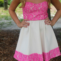 Chic Sweetheart Dress: Pink