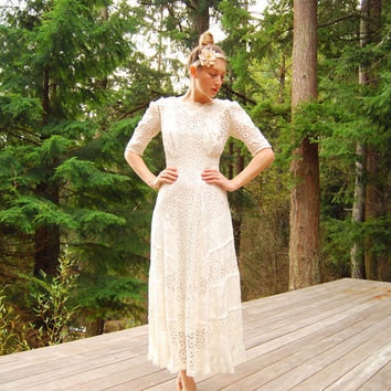 Antique Edwardian dress / Small 2 Piece 1900s 1910 Eyelet Lace Wedding dress / White Cotton Maxi Dress Victorian Tea Dress Lawn Dress Gown