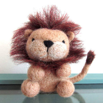 Felt Lion, Needle Felted Lion, Felted Animal, Miniature Lion, Wool Lion, Lion Ornament, Handmade Lion Gift, African Animal Decor, OOAK
