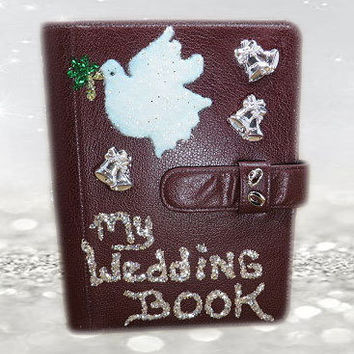 Personalized Wedding Book - Brides Gifts - Wedding Planner Binder - Wedding Organizer - Brides Gifts - Wedding Gifts - Bridal Shower Gifts