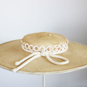Vintage 1940s Yellow Wide Brimmed Straw Hat With Millinery Daisy Flowers