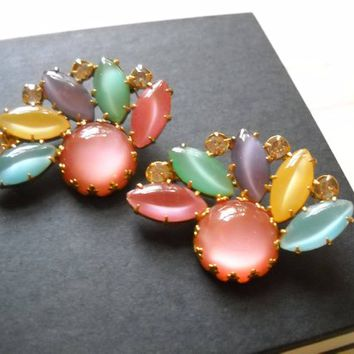 Brooches Vintage Pastel Moonglow Glass Stones Cabochons Brooches Pendants Rhinestones Pink Blue Yellow Purple Glass Mid Century Statement