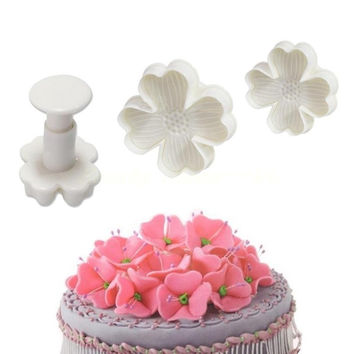 Hot 3PCS Fondant Pastry Cookie cutter mold flower four leaf clover biscuit Luck cake bake = 1714514116