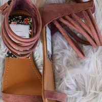 Strapped Flats in Mauve