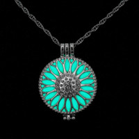 Luminous Glow-in-the-Dark Sunflower Pendant Necklace