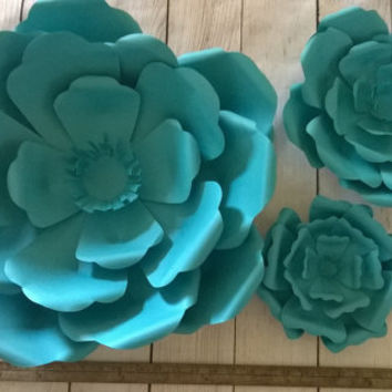 Aqua blue giant paper flower wall set of 3, photo backdrop, wedding photography background, modern theme ceiling mural 6-16 inches across