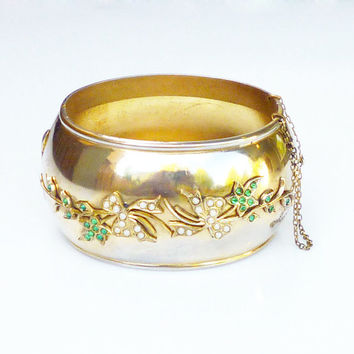 Whiting and Davis Bracelet Gold Tone Faux Pearl Emerald Wide Hinged Bangle Statement Vintage Jewelry