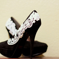 Black Pumps with White Venise Lace  Size 65 by LaPlumeEthere