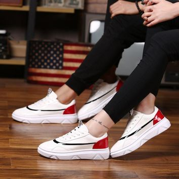 New personality  shoes white hip-hop board shoes  BangWear-resistant non-slip soft and comfortabWearing outdoor sports shoes men