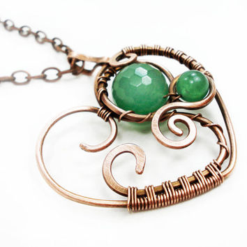Green heart pendant, green pendant, wire wrap heart pendant, unique heart pendant, copper wire heart, wire wrapped hendmade jewelry, ooak