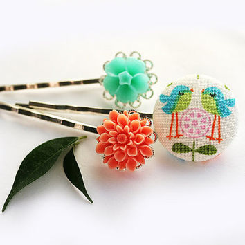 Spring floral Bobby pins set mint coral flowers and by MayaHoney