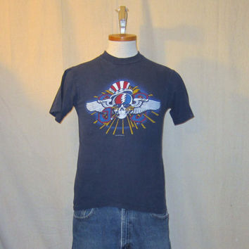 Vintage Amazing Super Rare 1982 GRATEFUL DEAD TOUR Rock Music Band Garcia Small Men Women T-Shirt