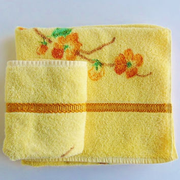 Vintage Bath Towel Hand Towel Set St Marys Orange Flowers Guest Bath Towels Large Thick Cotton Poly 40 X 24 Inches