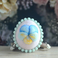 Needle felt Easter egg, pastel pink color wool fiber egg, spring Easter ornament, spring pansy motif, gift under 20