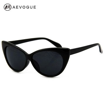 Retail Hot Tip Pointed Vintage plastic sunglasses women Inspired Sexy Mod Chic Rtro brand sun glasses Cat Eye Oculos DT0170