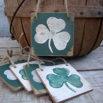 FREE SHIP Set of 5 Grubby Primitive St Patrick's Day Clover Shamrock Lucky Tags Wood Grungy Signs