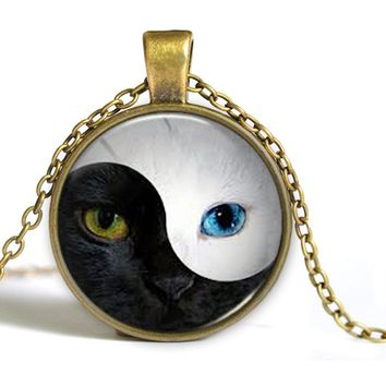 FREE Yin and Yang Tai Chi Cat Face Glass Cabochon Short Necklace Pendant Necklace