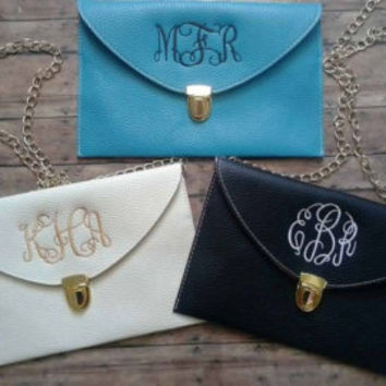 Scalloped Edge MONOGRAM CLUTCH PURSE, Monogrammed Purse, -Envelope Purse - Wristlet, Crossbody Chain, Sorority Gift, Bridesmaid Gift