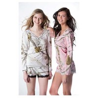 Realtree Girl Women's Dream Camo Henley Pajama Set