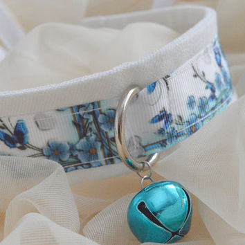 Mariposa baby - blue and white choker necklace with bell and leash ring - lolita little neko kitten pet play bdsm ddlg collar