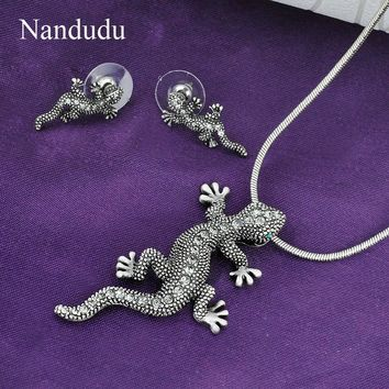 Austrian Crystal Gecko Drop Earrings and Necklace Set