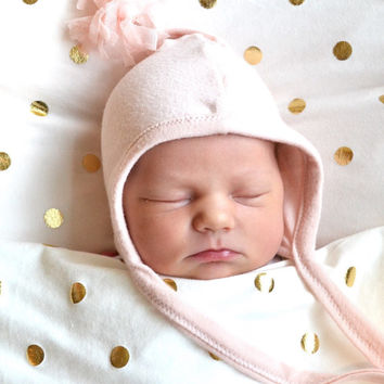 Baby girl gold dots blanket. Blanket size: Size 31 by 40 inches. Made by Lippy brand. Super soft!. Swaddle soft stretchy knit fabric.
