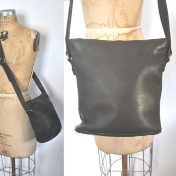 Coach Bucket Bag / Black Pebbled Leather Purse / 1980s