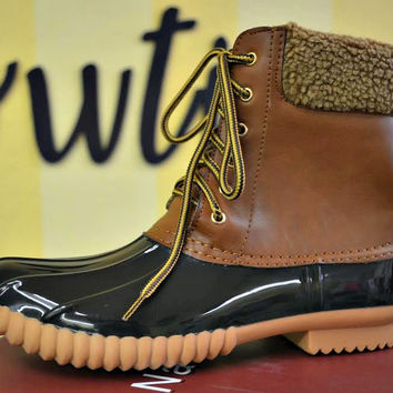 Duck Duck Boots 2.0 - Black/Tan