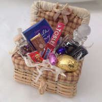 Dolls House Miniatures - Chocoholics Hamper