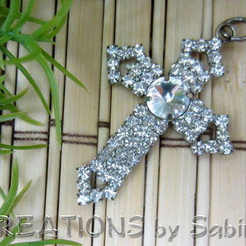 Rhinestone Cross Pendant / clear rhinestones silver tone / sparkling sparkle elegant fancy / religious jewelry / Vintage FREE SHIPPING (180)