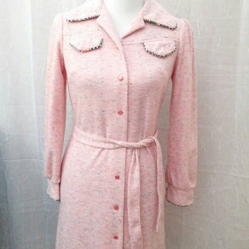 Vintage 1970s Soft Long Sleeve Pink Color Fleck Dress With Mod Pockets And Original Tie Belt Size 9