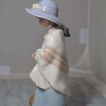 Vintage Lladro Figurine Girl From Peru – NAO Daisa 1985 – Serene Face Beautiful Details – Fine Spanish Porcelain Figure Girl with Jug