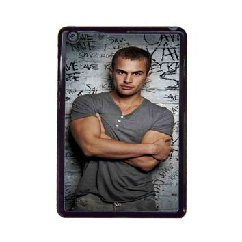 Theo james Arms Span iPad Mini Case