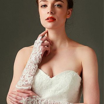 [13.49] In Stock Glamorous Tulle Ivory Wedding Gloves With Applique & Beading #blackfriday - dressilyme.com