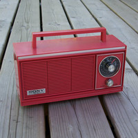 Vintage Sony Solid State 8R-24 6 Transistor Table Top AM Radio