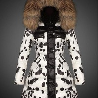 Moncler Albizia Hooded Puffer Down Jacket