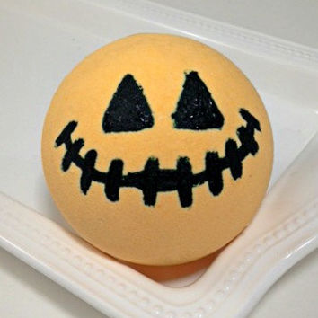 Large Bath Bomb- Halloween Bath Bomb- Gift Ideas- Holiday Gifts- Holiday Bath Bomb- Basic Bath Bomb
