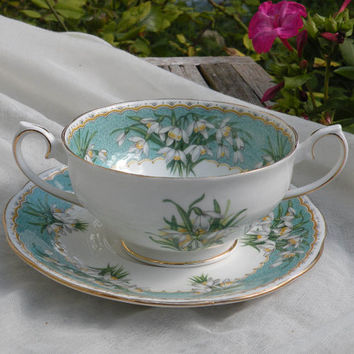 English Queen Anne fine bone china soup bowl with snow drops, floral soup bowl, decorative soup bowl, English fine china, soup bowl