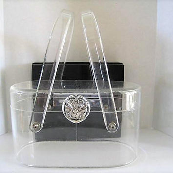 Wilardy Lucite 60s Purse, Signed Wilardy, Clear Thick Lucite, Silver Medallion Closure, Top Handles, Vintage Lucite PRISTINE