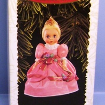 1996 Cinderella Hallmark Retired Series Ornament