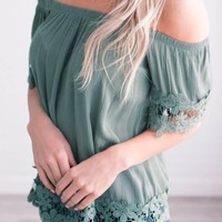 Green Patchwork Cut Out Lace Boat Neck Short Sleeve Sweet T-Shirt