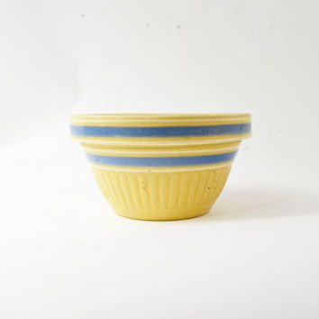 Small Yellow Ware Bowl, Yellow Mixing Bowl, Blue Striped Bowl, Primitive Farmhouse Kitchen, Antique Bowl, Stoneware Bowl, Yellowware Bowl