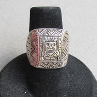 Peruvian 900 Silver Aztec Shield Vintage Ladies Biker Chic Ring, Size 5.5