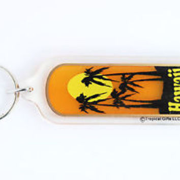 HOT VINTAGE HAWAII/ PALM TREES KEYCHAIN, COLLECTABLE ITEM, 60s - 70s, USED