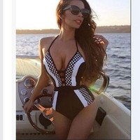 Sexy One Piece Swimsuit Deep V Swimwear Women Brazilian Bathing Suit 2016 New Trikini Monokini Beachwear Swim Wear Swimming Suit