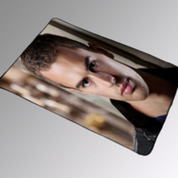 Theo James Four Divergent Blanket Kids Woman Bedding Gift Birthdays Quilts