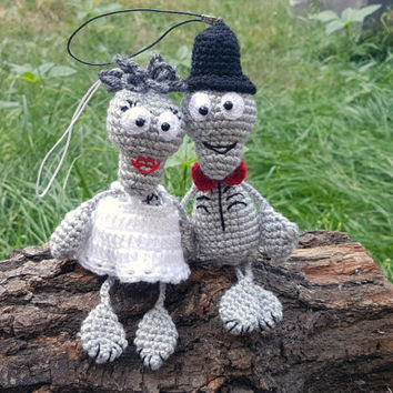Crochet skeleton Amigurumi knitted bride and groom ghost Halloween toy Spooky bones halloween decor plush decoration Gift for wedding