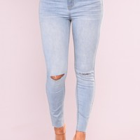 Cut To The Chase Crop Jeans - Light Blue Wash